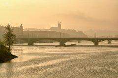 <h3>Vyšehrad</h3><p>Michal Fic: 'Tentokráte pohled z mostu Legií na Vyšehrad zalitý ranními paprsky podzimního slunce.'</p><hr /><a href='http://www.facebook.com/sharer.php?u=http://www.milujuprahu.cz/2013/11/michal-fic-propadl-praze-celou-svou-dusi/' target='_blank' title='Share this page on Facebook'><img src='http://www.milujuprahu.cz/wp-content/themes/twentyten/images/flike.png' /></a><a href='https://plusone.google.com/_/+1/confirm?hl=en&url=http://www.milujuprahu.cz/2013/11/michal-fic-propadl-praze-celou-svou-dusi/' target='_blank' title='Plus one this page on Google'><img src='http://www.milujuprahu.cz/wp-content/themes/twentyten/images/plusone.png' /></a><a href='http://www.pinterest.com/pin/create/button/?url=http://www.milujuprahu.cz&media=http://www.milujuprahu.cz/wp-content/uploads/2013/11/DSC_3673_HDR.jpg&description=Next%20stop%3A%20Pinterest' data-pin-do='buttonPin' data-pin-config='beside' target='_blank'><img src='http://assets.pinterest.com/images/pidgets/pin_it_button.png' /></a>