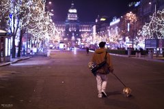 <h3>S kamarádem z Uherského Brodu</h3><p>Michal Jirák: 'Fotka vznikla, když za mnou přijel kamarád Tomáš Kulaja z Uherského Brodu, vzal jsem ho na prohlídku Prahou.'</p><hr /><a href='http://www.facebook.com/sharer.php?u=http://www.milujuprahu.cz/2013/11/michal-ma-pevnou-ruku-do-mrazivych-noci/' target='_blank' title='Share this page on Facebook'><img src='http://www.milujuprahu.cz/wp-content/themes/twentyten/images/flike.png' /></a><a href='https://plusone.google.com/_/+1/confirm?hl=en&url=http://www.milujuprahu.cz/2013/11/michal-ma-pevnou-ruku-do-mrazivych-noci/' target='_blank' title='Plus one this page on Google'><img src='http://www.milujuprahu.cz/wp-content/themes/twentyten/images/plusone.png' /></a><a href='http://www.pinterest.com/pin/create/button/?url=http://www.milujuprahu.cz&media=http://www.milujuprahu.cz/wp-content/uploads/2013/11/PRAHA_09.jpg&description=Next%20stop%3A%20Pinterest' data-pin-do='buttonPin' data-pin-config='beside' target='_blank'><img src='http://assets.pinterest.com/images/pidgets/pin_it_button.png' /></a>