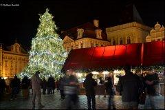 <h3>Vánoce 2013</h3><p>Dalibor Durčák: 'Chybí mi tam sníh'</p><hr /><a href='http://www.facebook.com/sharer.php?u=http://www.milujuprahu.cz/2013/12/dalibor-durcak-prahu-nikdy-celou-nezvladnu-a-to-me-fascinuje/' target='_blank' title='Share this page on Facebook'><img src='http://www.milujuprahu.cz/wp-content/themes/twentyten/images/flike.png' /></a><a href='https://plusone.google.com/_/+1/confirm?hl=en&url=http://www.milujuprahu.cz/2013/12/dalibor-durcak-prahu-nikdy-celou-nezvladnu-a-to-me-fascinuje/' target='_blank' title='Plus one this page on Google'><img src='http://www.milujuprahu.cz/wp-content/themes/twentyten/images/plusone.png' /></a><a href='http://www.pinterest.com/pin/create/button/?url=http://www.milujuprahu.cz&media=http://www.milujuprahu.cz/wp-content/uploads/2013/12/131.jpg&description=Next%20stop%3A%20Pinterest' data-pin-do='buttonPin' data-pin-config='beside' target='_blank'><img src='http://assets.pinterest.com/images/pidgets/pin_it_button.png' /></a>