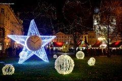 <h3>Vánoce 2013</h3><p>Dalibor Durčák: 'Chybí mi tam sníh'</p><hr /><a href='http://www.facebook.com/sharer.php?u=http://www.milujuprahu.cz/2013/12/dalibor-durcak-prahu-nikdy-celou-nezvladnu-a-to-me-fascinuje/' target='_blank' title='Share this page on Facebook'><img src='http://www.milujuprahu.cz/wp-content/themes/twentyten/images/flike.png' /></a><a href='https://plusone.google.com/_/+1/confirm?hl=en&url=http://www.milujuprahu.cz/2013/12/dalibor-durcak-prahu-nikdy-celou-nezvladnu-a-to-me-fascinuje/' target='_blank' title='Plus one this page on Google'><img src='http://www.milujuprahu.cz/wp-content/themes/twentyten/images/plusone.png' /></a><a href='http://www.pinterest.com/pin/create/button/?url=http://www.milujuprahu.cz&media=http://www.milujuprahu.cz/wp-content/uploads/2013/12/141.jpg&description=Next%20stop%3A%20Pinterest' data-pin-do='buttonPin' data-pin-config='beside' target='_blank'><img src='http://assets.pinterest.com/images/pidgets/pin_it_button.png' /></a>