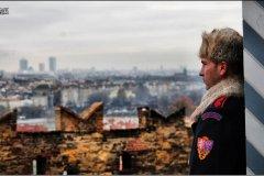 <h3>Na vyhlídce</h3><p>Dalibor Durčák: 'Opět zimní fotka a samota člena hradní stráže. Fotku jsem nazval Na vyhlídce'</p><hr /><a href='http://www.facebook.com/sharer.php?u=http://www.milujuprahu.cz/2013/12/dalibor-durcak-prahu-nikdy-celou-nezvladnu-a-to-me-fascinuje/' target='_blank' title='Share this page on Facebook'><img src='http://www.milujuprahu.cz/wp-content/themes/twentyten/images/flike.png' /></a><a href='https://plusone.google.com/_/+1/confirm?hl=en&url=http://www.milujuprahu.cz/2013/12/dalibor-durcak-prahu-nikdy-celou-nezvladnu-a-to-me-fascinuje/' target='_blank' title='Plus one this page on Google'><img src='http://www.milujuprahu.cz/wp-content/themes/twentyten/images/plusone.png' /></a><a href='http://www.pinterest.com/pin/create/button/?url=http://www.milujuprahu.cz&media=http://www.milujuprahu.cz/wp-content/uploads/2013/12/51.jpg&description=Next%20stop%3A%20Pinterest' data-pin-do='buttonPin' data-pin-config='beside' target='_blank'><img src='http://assets.pinterest.com/images/pidgets/pin_it_button.png' /></a>