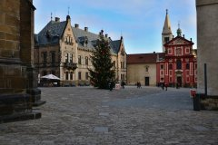 <h3>Na Jiřském náměstí</h3><p>Na Štědrý den ráno vyfotila Jana Ježková</p><hr /><a href='http://www.facebook.com/sharer.php?u=http://www.milujuprahu.cz/2013/12/probouzeni-do-stedreho-dne-jany-jezkove/' target='_blank' title='Share this page on Facebook'><img src='http://www.milujuprahu.cz/wp-content/themes/twentyten/images/flike.png' /></a><a href='https://plusone.google.com/_/+1/confirm?hl=en&url=http://www.milujuprahu.cz/2013/12/probouzeni-do-stedreho-dne-jany-jezkove/' target='_blank' title='Plus one this page on Google'><img src='http://www.milujuprahu.cz/wp-content/themes/twentyten/images/plusone.png' /></a><a href='http://www.pinterest.com/pin/create/button/?url=http://www.milujuprahu.cz&media=http://www.milujuprahu.cz/wp-content/uploads/2013/12/DSC_1793.jpg&description=Next%20stop%3A%20Pinterest' data-pin-do='buttonPin' data-pin-config='beside' target='_blank'><img src='http://assets.pinterest.com/images/pidgets/pin_it_button.png' /></a>