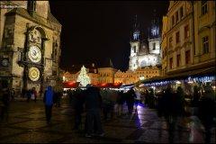<h3>Vánoční Staroměstské náměstí</h3><p>Foto: Dalibor Durčák</p><hr /><a href='http://www.facebook.com/sharer.php?u=http://www.milujuprahu.cz/2013/12/advent-v-plne-sile-praha-se-zabalila-do-vanociho/' target='_blank' title='Share this page on Facebook'><img src='http://www.milujuprahu.cz/wp-content/themes/twentyten/images/flike.png' /></a><a href='https://plusone.google.com/_/+1/confirm?hl=en&url=http://www.milujuprahu.cz/2013/12/advent-v-plne-sile-praha-se-zabalila-do-vanociho/' target='_blank' title='Plus one this page on Google'><img src='http://www.milujuprahu.cz/wp-content/themes/twentyten/images/plusone.png' /></a><a href='http://www.pinterest.com/pin/create/button/?url=http://www.milujuprahu.cz&media=http://www.milujuprahu.cz/wp-content/uploads/2013/12/DSC_3296.jpg&description=Next%20stop%3A%20Pinterest' data-pin-do='buttonPin' data-pin-config='beside' target='_blank'><img src='http://assets.pinterest.com/images/pidgets/pin_it_button.png' /></a>