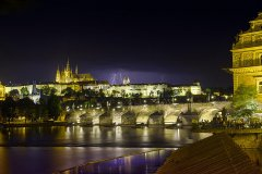 <h3>Prvotina</h3><p>Jakub Matějec: 'Prvotina - moje úplně první fotka Prahy ze stativu v roce 2011 a zrovna, když se nad hradem blýskalo.'</p><hr /><a href='http://www.facebook.com/sharer.php?u=http://www.milujuprahu.cz/2014/01/kdo-dostal-v-roce-2013-nejvice-liku-jakub-matejec-podivejte-se-proc/' target='_blank' title='Share this page on Facebook'><img src='http://www.milujuprahu.cz/wp-content/themes/twentyten/images/flike.png' /></a><a href='https://plusone.google.com/_/+1/confirm?hl=en&url=http://www.milujuprahu.cz/2014/01/kdo-dostal-v-roce-2013-nejvice-liku-jakub-matejec-podivejte-se-proc/' target='_blank' title='Plus one this page on Google'><img src='http://www.milujuprahu.cz/wp-content/themes/twentyten/images/plusone.png' /></a><a href='http://www.pinterest.com/pin/create/button/?url=http://www.milujuprahu.cz&media=http://www.milujuprahu.cz/wp-content/uploads/2014/01/09.Blesky_nad_Hradem.jpg&description=Next%20stop%3A%20Pinterest' data-pin-do='buttonPin' data-pin-config='beside' target='_blank'><img src='http://assets.pinterest.com/images/pidgets/pin_it_button.png' /></a>
