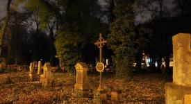 Dušičky na Malostranském hřbitově