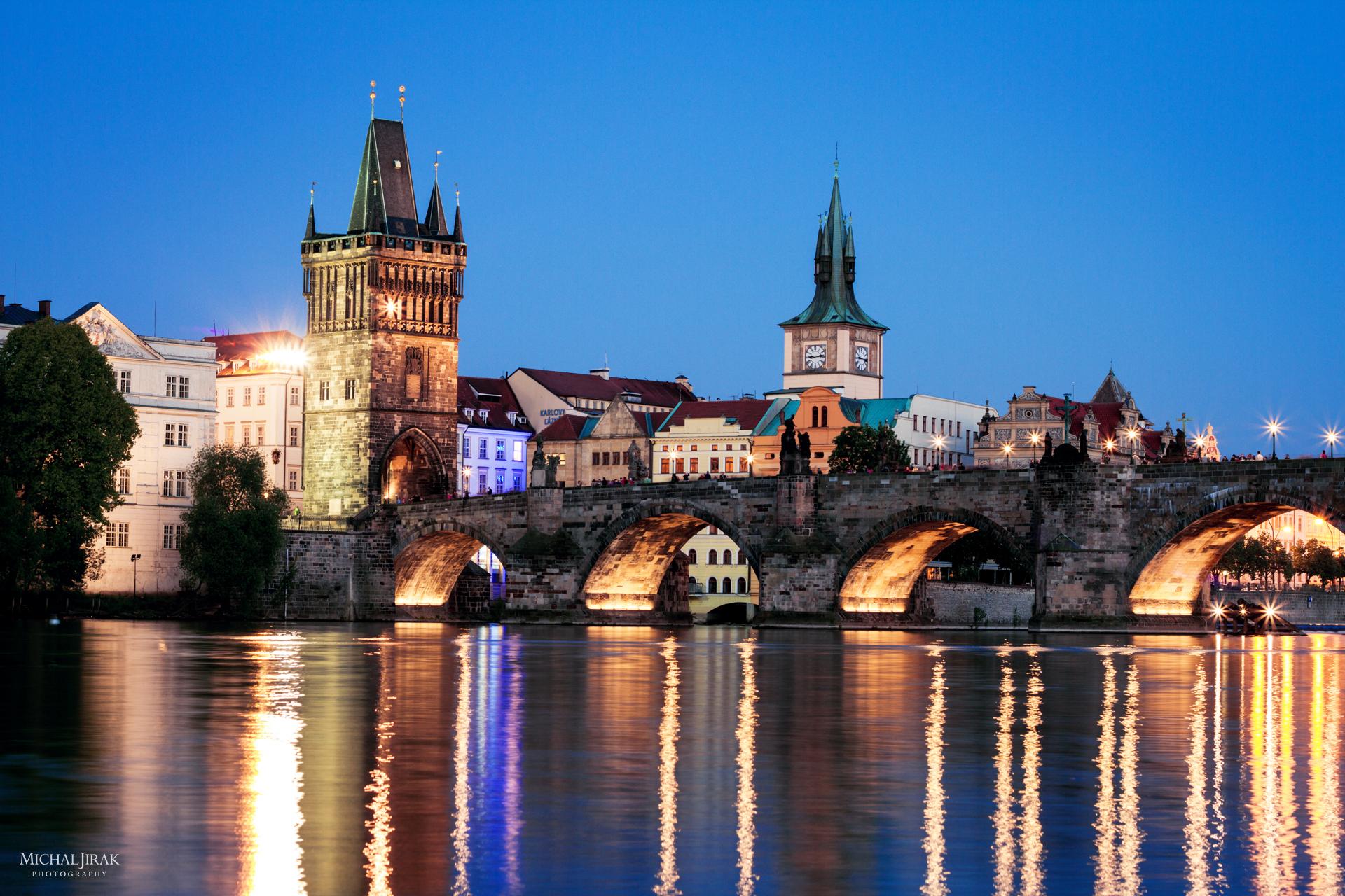 """Michal Jirák: """"Byli jsme se s přítelkyní projít kolem Vltavy, tak vznikla tahle fotka Karlova mostu."""""""