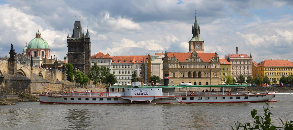 Adventní plavby po Vltavě