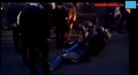 Natočvideo.cz: Tramvaj srazila chodce na Dejvické