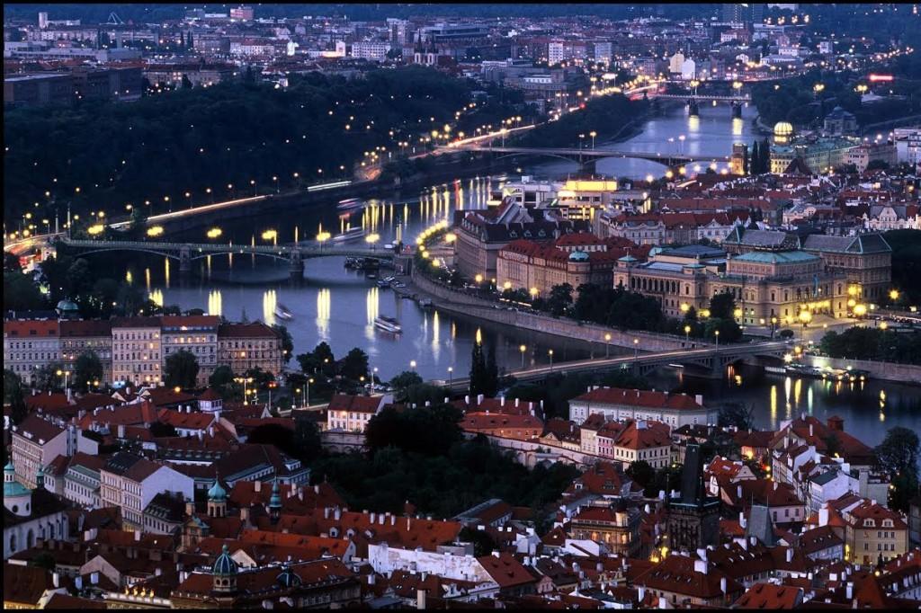 Mezi mosty na diapozitiv z kinofilmové zrcadlovky - Foto: Jaroslav Juřička