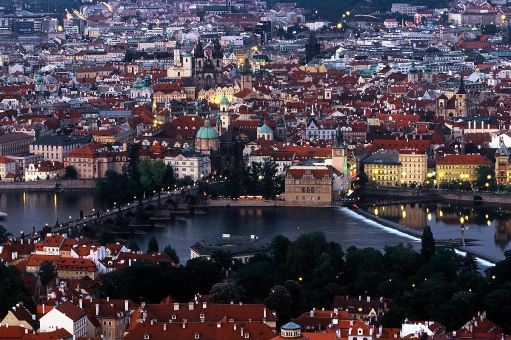 Z diapozitivu Karlův most a Staroměstký jez - Foto: Jaroslav Juřička