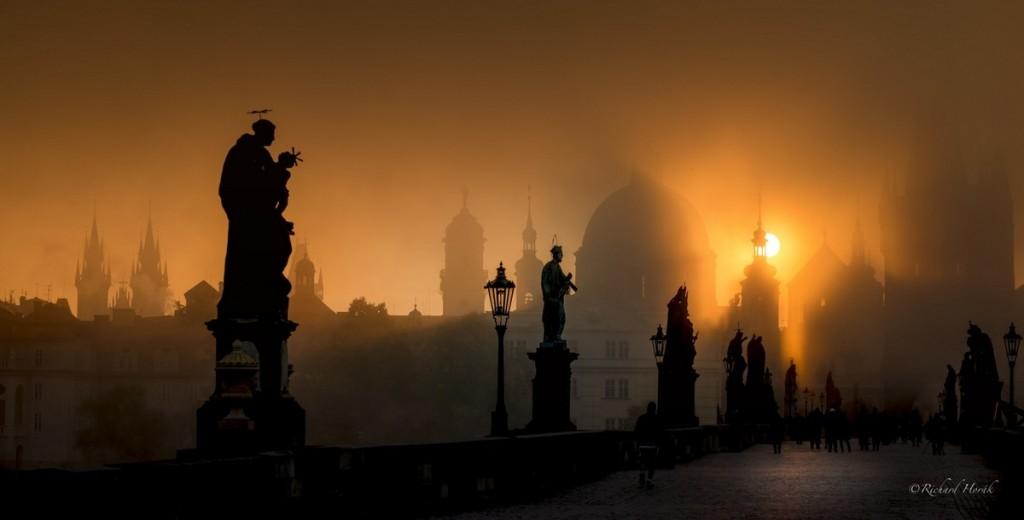 Výsledek obrázku pro východ slunce v praze