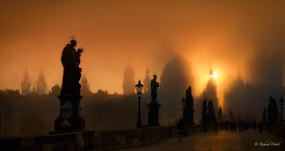 Ráno na mostě - Foto: Richard Horák