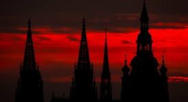 TOP – záchrana datla, Justin Timberlake a duha nad Prahou