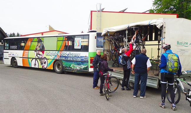 Cyklobusy vás dopraví do hor - Foto: rokytnice.com