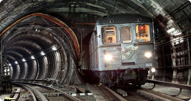 Historická souprava metra – Foto: www.dpp.cz