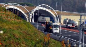 POZOR! Lochokovský tunel na Pražském okruhu je uzavřen