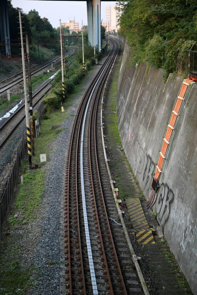 Kolej na Kačerově, po které míří vlaky metra po povrchu do depa Kačerov - Foto: Štěpán Rusňák