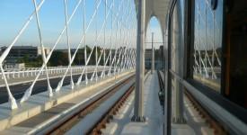 Zkušební jízdy a školení řidičů na Trojském mostě