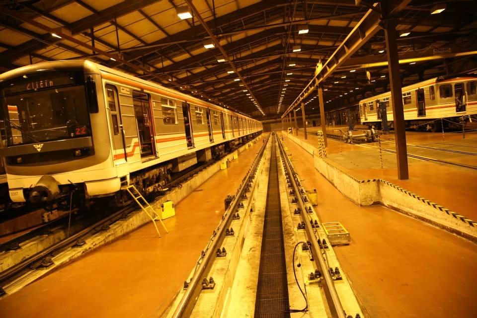 Souprava metra M1 vyráběné konsorciem  ČKD Praha, ADtranz a Siemens vyráběné do roku 1998 v debu Kačerov - Foto: Štěpán Rusňák
