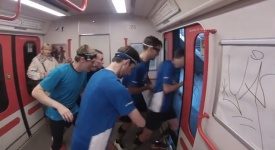 Chtěli předběhnout pražské metro. O pár vteřin se to nepodařilo