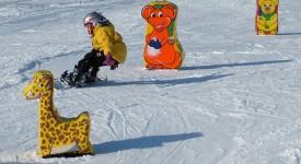 Prázdniny se blíží a děti chtějí lyžovat