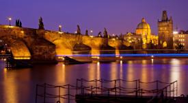 Praha má neuvěřitelné kouzlo, hlavně po setmění. Tady jsou důkazy