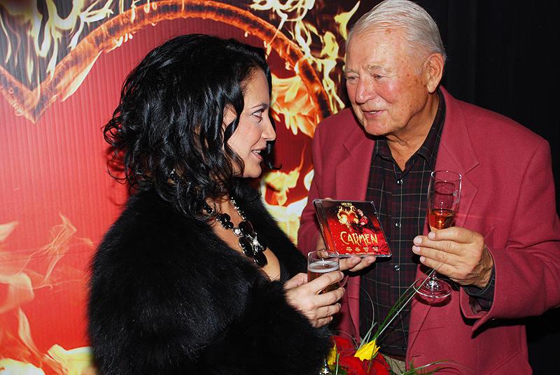 V Hudebním divadle v Karlíně se potkali i LImonádový Joe Karel FIala a Carmen Lucie Bílá