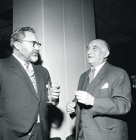 Po roce 1948 byli pověřeni vedením divadla Jan Werich a Oldřich Nový