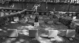 Dětský hřbitůvek v Ďáblicích. Tady pohřbívali děti matek z komunistických žalářů
