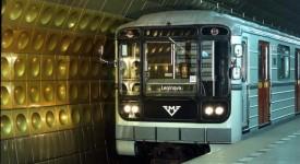 Historická souprava metra Briketa povozí Pražany! Tady je jízdní řád