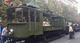 Praha slaví 140 let veřejné dopravy. Tyto skvosty vyjely do ulic