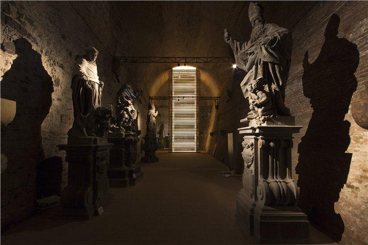 Vyšehradská Gorlice, ve které je umístěno šest originálních soch z Karlova mostu - Foto: Národní kulturní památka Vyšehrad