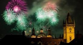 Novoroční ohňostroj ze všech úhlů! Podívejte se na 12 nej videí…