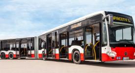 Nejdelší kloubový autobus vyrazí do pražských ulic. Měří 22 metrů. Podívejte se