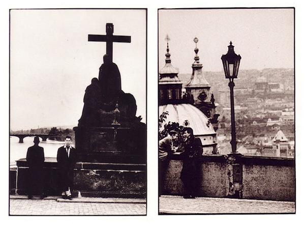 Dave Gahan na Karlově mostě - Foto: Anton Corbijn (1988)