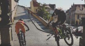 Na oficiálním klipu k titulu Praha Evropské hlavní město sportu se podílela kapela Portless