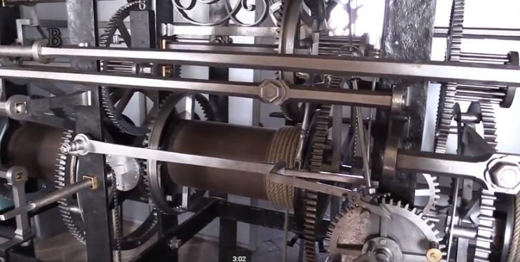 Tento hodinový stroj určuje pražský čas už více než 400 let - Foto: Repro z videa Jaroslava Mareše - Badatele. net