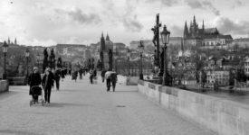ČERNOBÍLÁ NOSTALGIE: Unikátní fotografie Prahy z roku 1981