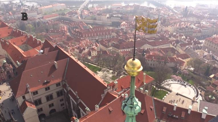 Výhled z lucerny jižní velké věže Svatovítské katedrály. - Foto: Jaroslav Mareš - badatele.net