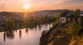 POKOCHEJTE SE! 12 nejkrásnějších červencových fotek na Miluju Prahu