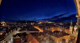 Jak se rozsvěcují pražské památky? Po stoletích po třech minutách