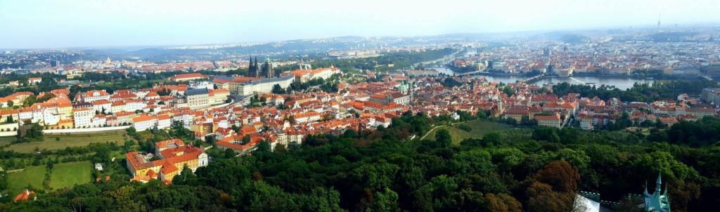 Krásný výhled z Petřínské rozhledny na Prahu. Foto: David Černý