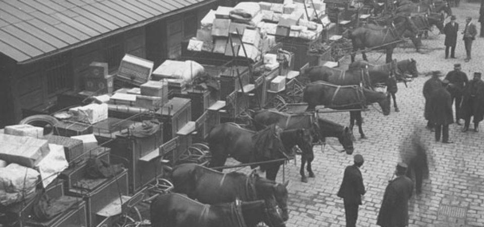 dvorana-postovniho-a-telegrafniho-uradu-praha-1-1928