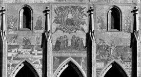 Zlatá brána do chrámu svatého Víta. Mozaika je vysázená z milionu skleněných kostek