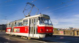 TRAMVAJOVÉ SLAVNOSTI V PRAZE: Zahájení provozu nostalgické linky, křest tramvaje a otevření Muzea MHD