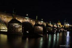 <h3>Jeho majestát</h3><p>Základní kámen mostu byl položen 1357 9.7 v 5:31. Aby se to dobře pamatovalo. - Foto: Martin Lukac</p><hr /><a href='http://www.facebook.com/sharer.php?u=https://www.milujuprahu.cz/martin-lukac-tulak-s-fotakem-v-ruce/' target='_blank' title='Share this page on Facebook'><img src='https://www.milujuprahu.cz/wp-content/themes/twentyten/images/flike.png' /></a><a href='https://plusone.google.com/_/+1/confirm?hl=en&url=https://www.milujuprahu.cz/martin-lukac-tulak-s-fotakem-v-ruce/' target='_blank' title='Plus one this page on Google'><img src='https://www.milujuprahu.cz/wp-content/themes/twentyten/images/plusone.png' /></a><a href='http://www.pinterest.com/pin/create/button/?url=https://www.milujuprahu.cz&media=https://www.milujuprahu.cz/wp-content/uploads/2013/11/005.jpg&description=Next%20stop%3A%20Pinterest' data-pin-do='buttonPin' data-pin-config='beside' target='_blank'><img src='https://assets.pinterest.com/images/pidgets/pin_it_button.png' /></a>