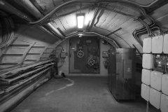 <h3>Z úrovně stadionu jsem sestoupali až na dno</h3><p>Za dveřmi je Strahovský tunel! - Foto: Eugen Kukla</p><hr /><a href='http://www.facebook.com/sharer.php?u=https://www.milujuprahu.cz/16-pater-pod-strahovem/' target='_blank' title='Share this page on Facebook'><img src='https://www.milujuprahu.cz/wp-content/themes/twentyten/images/flike.png' /></a><a href='https://plusone.google.com/_/+1/confirm?hl=en&url=https://www.milujuprahu.cz/16-pater-pod-strahovem/' target='_blank' title='Plus one this page on Google'><img src='https://www.milujuprahu.cz/wp-content/themes/twentyten/images/plusone.png' /></a><a href='http://www.pinterest.com/pin/create/button/?url=https://www.milujuprahu.cz&media=https://www.milujuprahu.cz/wp-content/uploads/2013/11/971413_10200870912870571_1101289736_n.jpg&description=Next%20stop%3A%20Pinterest' data-pin-do='buttonPin' data-pin-config='beside' target='_blank'><img src='https://assets.pinterest.com/images/pidgets/pin_it_button.png' /></a>