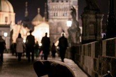 <h3>Žebrák se psem</h3><p>Michal Jirák: 'Žebráci na Karlově mostě jsou celkem běžná věc, tady měl sebou ještě psa.'</p><hr /><a href='http://www.facebook.com/sharer.php?u=https://www.milujuprahu.cz/michal-ma-pevnou-ruku-do-mrazivych-noci/' target='_blank' title='Share this page on Facebook'><img src='https://www.milujuprahu.cz/wp-content/themes/twentyten/images/flike.png' /></a><a href='https://plusone.google.com/_/+1/confirm?hl=en&url=https://www.milujuprahu.cz/michal-ma-pevnou-ruku-do-mrazivych-noci/' target='_blank' title='Plus one this page on Google'><img src='https://www.milujuprahu.cz/wp-content/themes/twentyten/images/plusone.png' /></a><a href='http://www.pinterest.com/pin/create/button/?url=https://www.milujuprahu.cz&media=https://www.milujuprahu.cz/wp-content/uploads/2013/11/PRAHA_11.jpg&description=Next%20stop%3A%20Pinterest' data-pin-do='buttonPin' data-pin-config='beside' target='_blank'><img src='https://assets.pinterest.com/images/pidgets/pin_it_button.png' /></a>