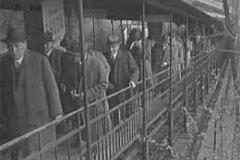 <h3>Muži v offsidu</h3><p>Lanovka na Letnou poprvé vyjela 31. května 1891. Pražanům sloužila do listopadu 1916. O deset let později bylo v její trase uvedeno do provozu kryté pohyblivé schodiště, které si zahrálo i ve filmu Muži v offsidu.</p><hr /><a href='http://www.facebook.com/sharer.php?u=https://www.milujuprahu.cz/zapomenuta-lanovka-na-letnou/' target='_blank' title='Share this page on Facebook'><img src='https://www.milujuprahu.cz/wp-content/themes/twentyten/images/flike.png' /></a><a href='https://plusone.google.com/_/+1/confirm?hl=en&url=https://www.milujuprahu.cz/zapomenuta-lanovka-na-letnou/' target='_blank' title='Plus one this page on Google'><img src='https://www.milujuprahu.cz/wp-content/themes/twentyten/images/plusone.png' /></a><a href='http://www.pinterest.com/pin/create/button/?url=https://www.milujuprahu.cz&media=https://www.milujuprahu.cz/wp-content/uploads/2013/11/images.jpg&description=Next%20stop%3A%20Pinterest' data-pin-do='buttonPin' data-pin-config='beside' target='_blank'><img src='https://assets.pinterest.com/images/pidgets/pin_it_button.png' /></a>