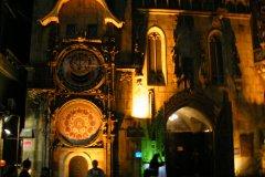 <h3>Restaurace Prague Castle v Soulu</h3><p>Foto: Adam Sladkovský</p><hr /><a href='http://www.facebook.com/sharer.php?u=https://www.milujuprahu.cz/uprostred-soulu-stoji-staromestska-radnice-kvuli-dvema-milencum/' target='_blank' title='Share this page on Facebook'><img src='https://www.milujuprahu.cz/wp-content/themes/twentyten/images/flike.png' /></a><a href='https://plusone.google.com/_/+1/confirm?hl=en&url=https://www.milujuprahu.cz/uprostred-soulu-stoji-staromestska-radnice-kvuli-dvema-milencum/' target='_blank' title='Plus one this page on Google'><img src='https://www.milujuprahu.cz/wp-content/themes/twentyten/images/plusone.png' /></a><a href='http://www.pinterest.com/pin/create/button/?url=https://www.milujuprahu.cz&media=https://www.milujuprahu.cz/wp-content/uploads/2013/12/DSCF5859.jpg&description=Next%20stop%3A%20Pinterest' data-pin-do='buttonPin' data-pin-config='beside' target='_blank'><img src='https://assets.pinterest.com/images/pidgets/pin_it_button.png' /></a>
